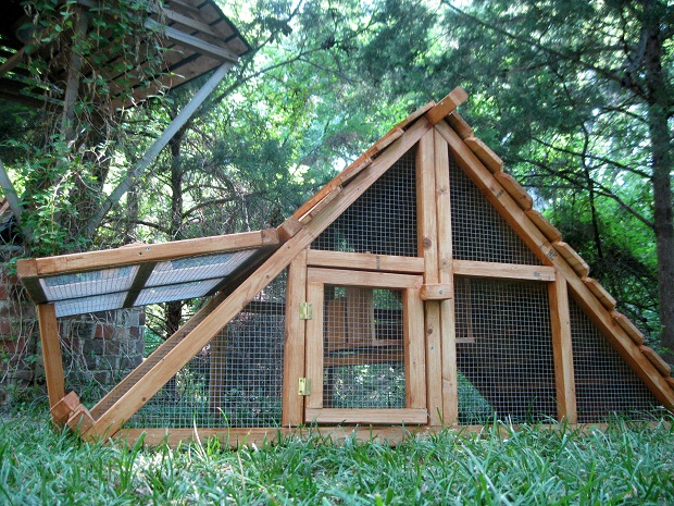 Ready made chicken coop kits made in us for Chicken and duck coop